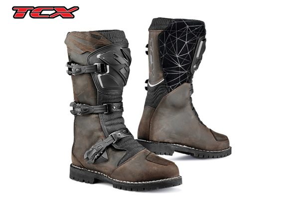 a pair of brown drifter WP boots